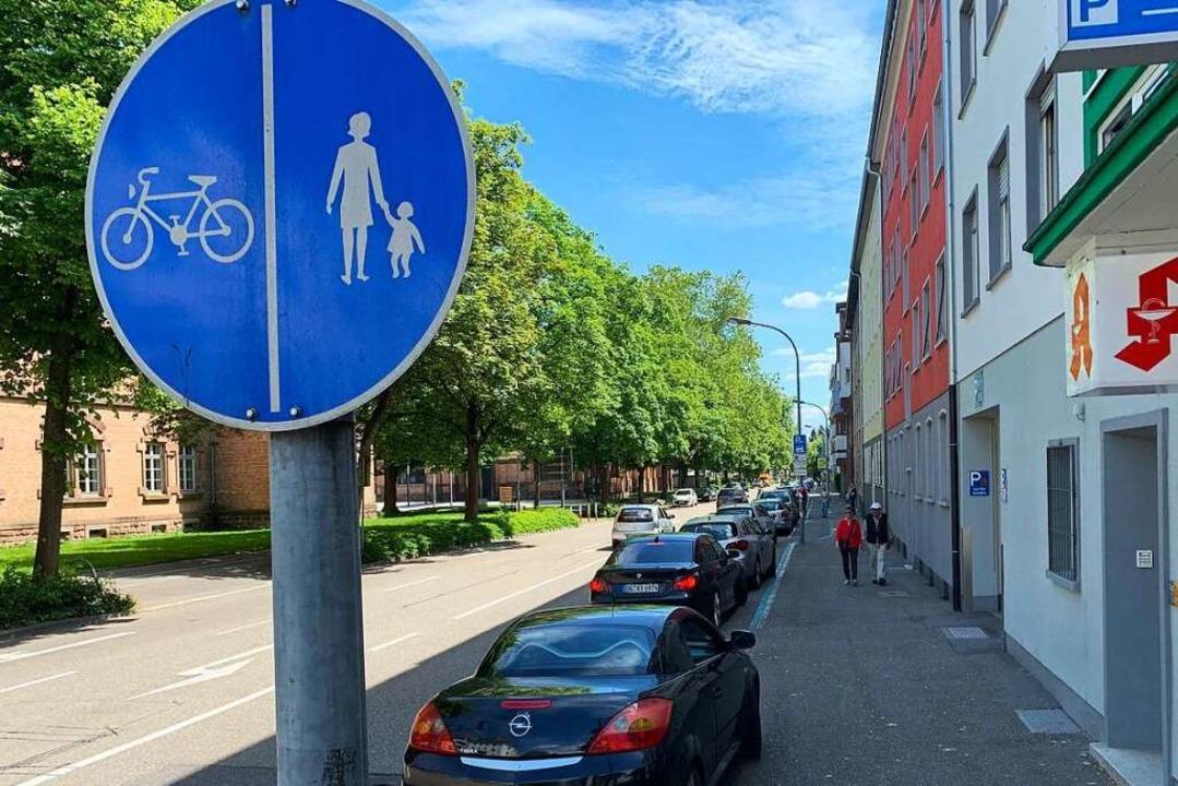 Ein Ärgernis: zugeparkte Radwege  | Foto: Helmut Seller