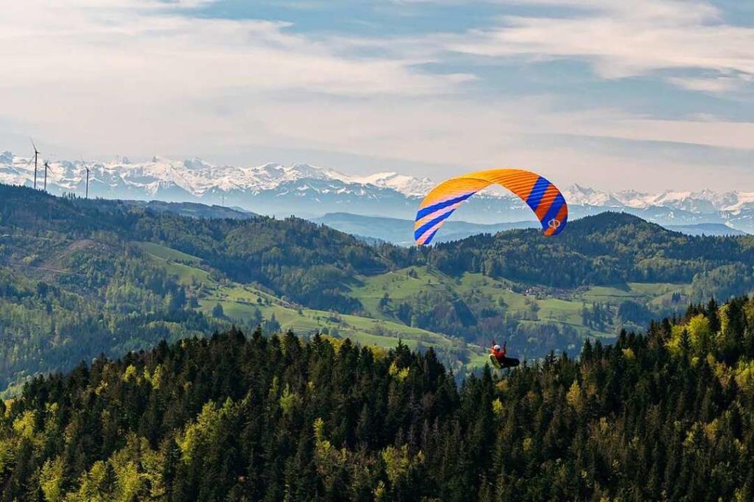 Gleitschirmflieger bei Fröhnd.  | Foto: Jasmin Senft