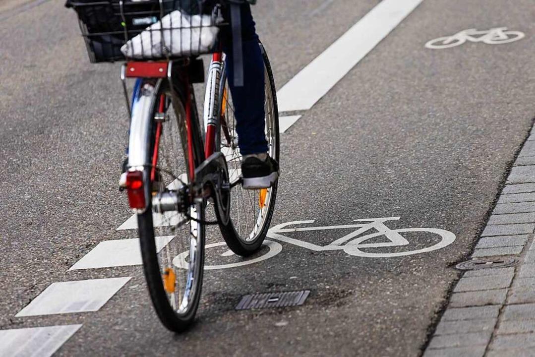 In Grenzach-Wyhlen ist ein Radfahrer u...Alkoholeinfluss gestürzt (Symbolbild).  | Foto: Philipp von Ditfurth (dpa)