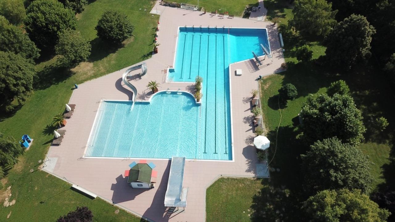 Auch das Schwimmbad in Bötzingen ist technisch startklar.  | Foto: Michael Saurer