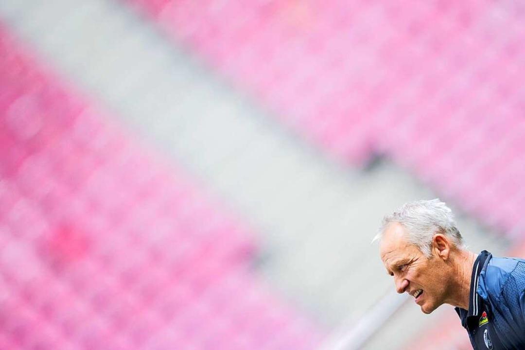 Freut sich auf das Spiel gegen den FC Bayern: SC-Trainer Christian Streich    Foto: Rolf Vennenbernd (dpa)