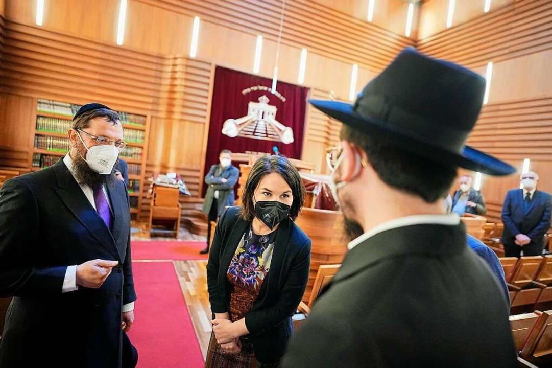 Annalena Baerbock, Kanzlerkandidatin u...nde zu einem Solidaritätsgottesdienst.    Foto: Michael Kappeler (dpa)