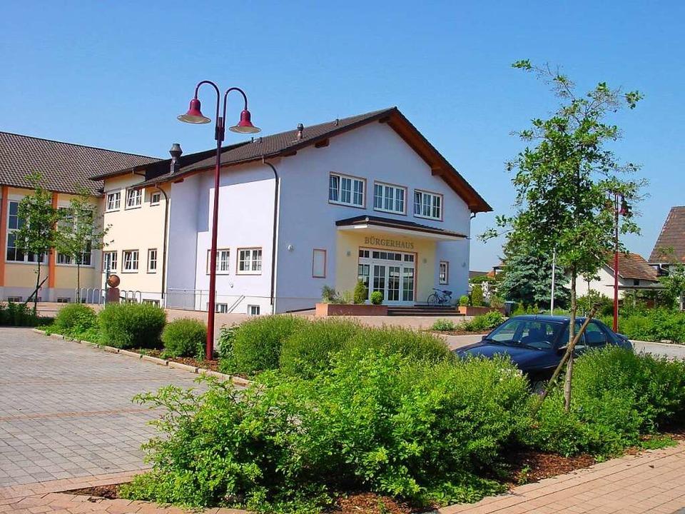 Auch am Bürgerhaus Ringsheim sind Sanierungsarbeiten erforderlich.    Foto: Adelbert Mutz