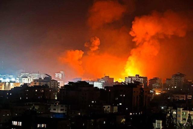 Nach Raketenangriffen: Israels Luftwaffe bombardiert Haus von Hamas-Chef Al-Sinwar
