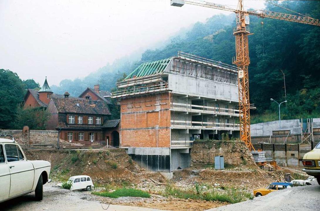 23 Jahre später herrschte an derselben...uen Lagergebäudes der Münsterbauhütte.  | Foto: Archiv Freiburger Münsterbauverein