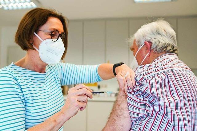 Ab heute dürfen Hausärzte im Südwesten ohne Priorisierung gegen Sars-CoV-2 impfen
