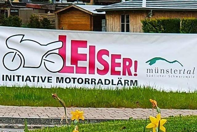Nächstes Banner gegen Motorradlärm geklaut