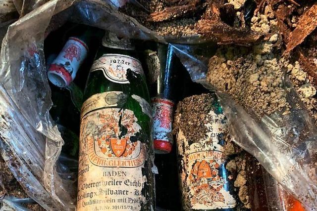 Alte Flaschenpost bei Arbeiten für neuen Weinkeller entdeckt