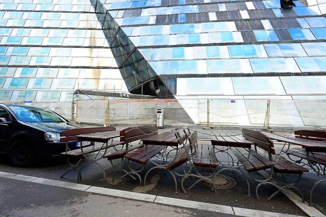 Auch in diesem Sommer können Gastronom...che und Stühle auf Parkplätze stellen.    Foto: Ingo Schneider