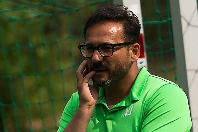 Trainer Atilla Ürgen hält beim FC Hausen an seiner Überzeugung fest
