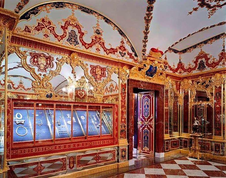 Der Schmucksaal des Grünen Gewölbes in... Juwelendiebstahl 2019 entwendet wurde    Foto: David Brandt (dpa)