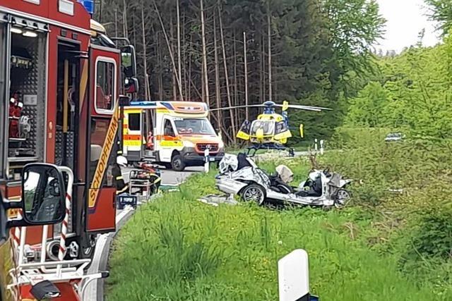 Zwei Schwerverletzte bei Unfall zwischen Schopfheim und Dossenbach
