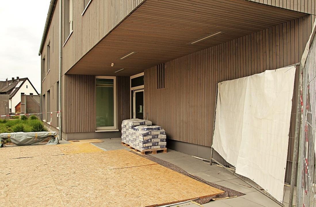 Der Eingangsbereich des neuen Kinderga...stwerk ansprechender gestaltet werden.    Foto: Mario Schöneberg