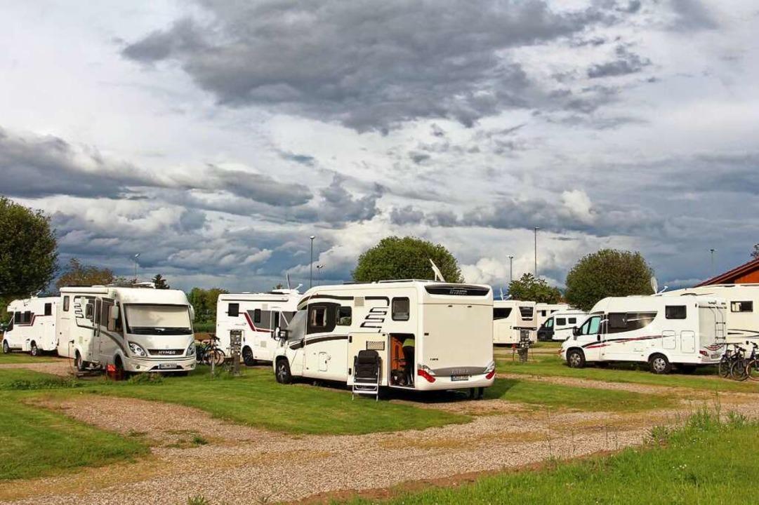 Die  Wohnmobil- und Campingplätze in d...edereröffnung schon wieder gut belegt.  | Foto: Ruth Seitz