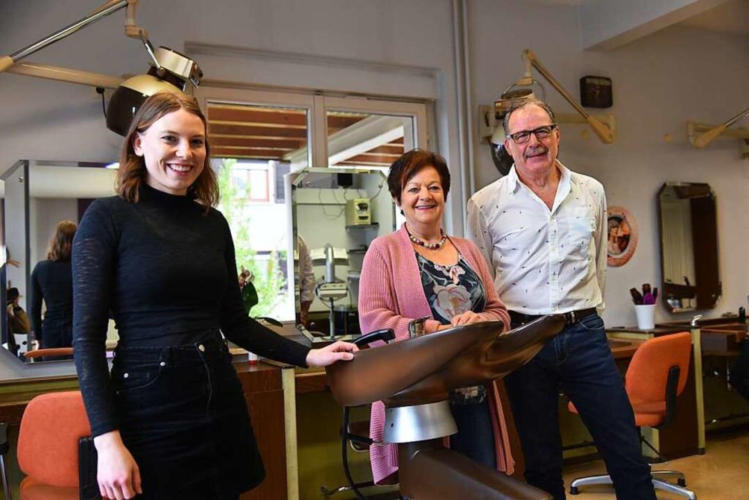 Patricia Bürkin hat den einzigen Frise...n Maria und Reinhard Roser übernommen.    Foto: Benedikt Sommer