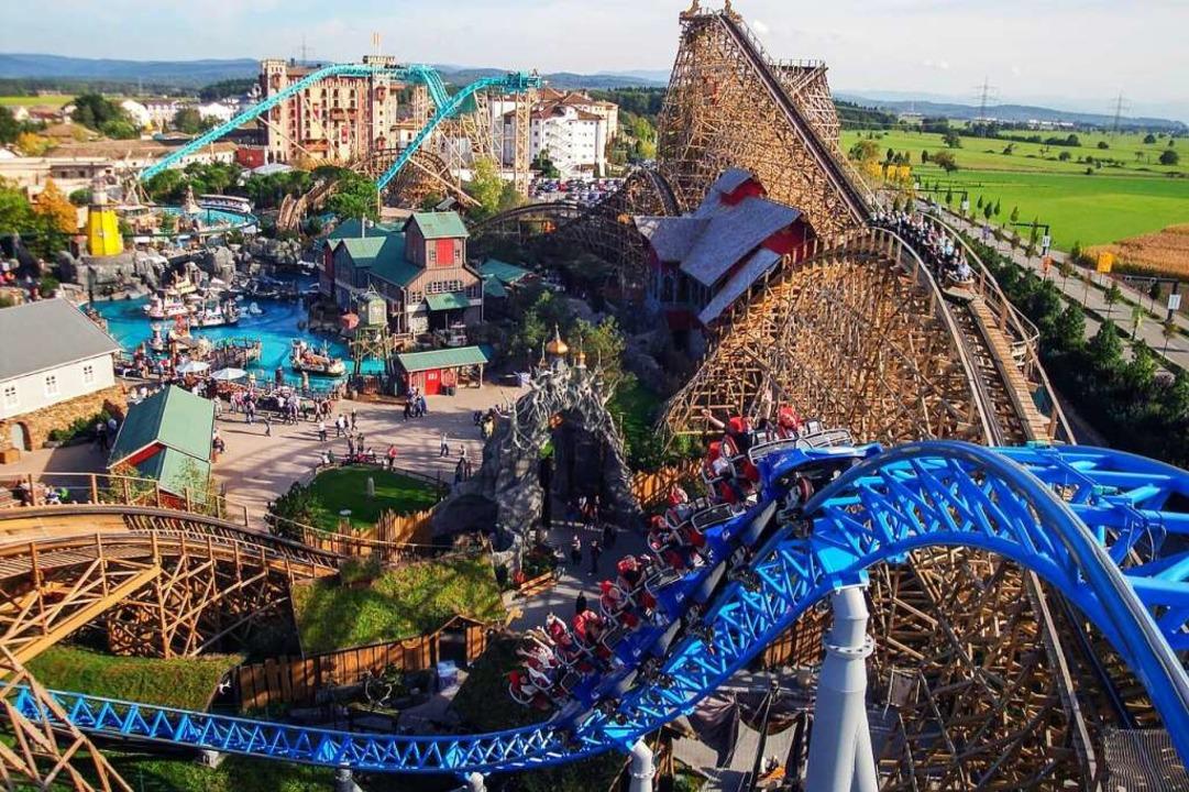 Blick auf die Achterbahnen    Foto: Europa-Park