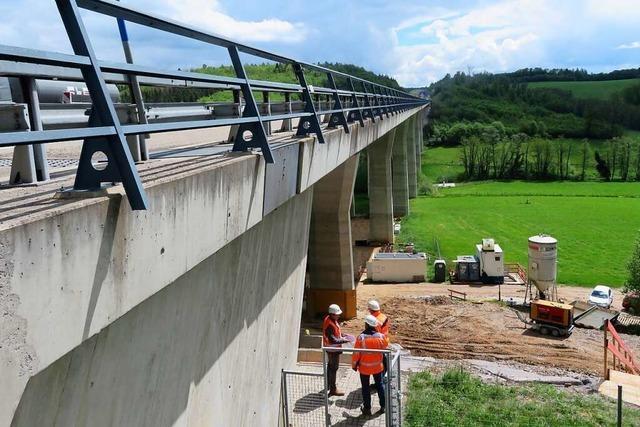 Die Autobahnbrücke ist in Richtung Rheinfelden wieder befahrbar