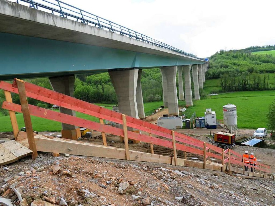 Die Sanierung der Brücke schreitet vor...ertig ist sie jedoch noch lange nicht.    Foto: Peter Gerigk