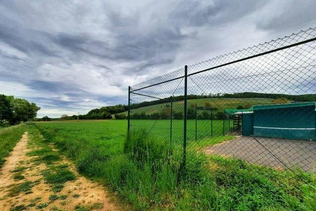 Neben den Tennisplätzen in Pfaffenweiler soll ein Gewerbegebiet entstehen