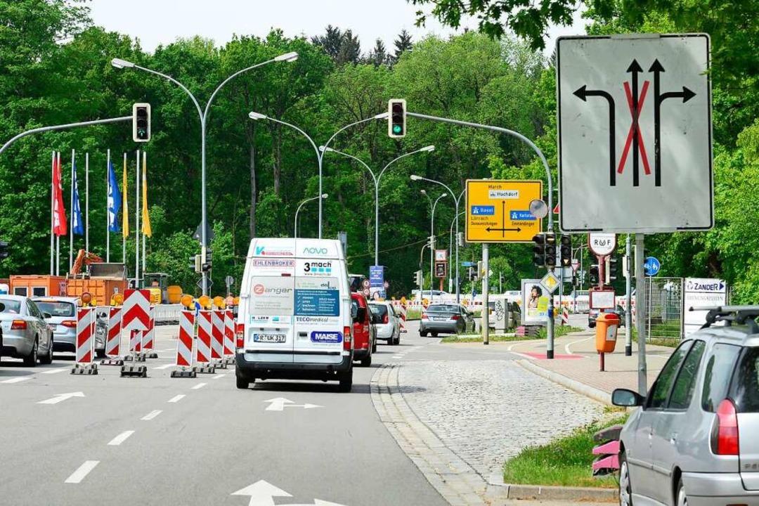 Die Erfahrung mit Baustellen an der Kr...rkehrsbehinderungen sorgt. Symbolbild.  | Foto: Ingo Schneider