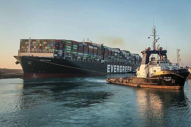 Beschlagnahmtes Schiff am Suezkanal immer noch nicht frei