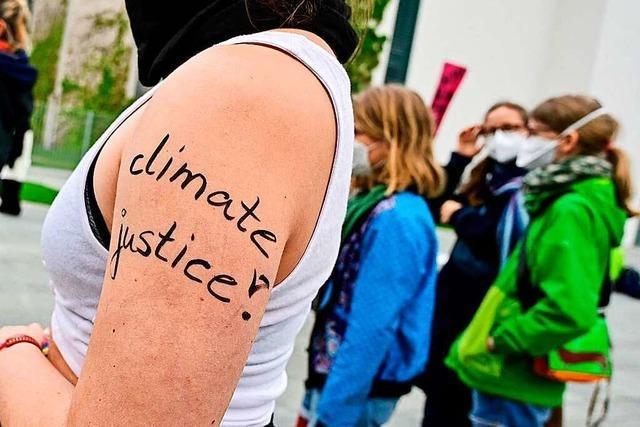 Rund 1500 Menschen demonstrieren in Basel für das Klima – und mehr
