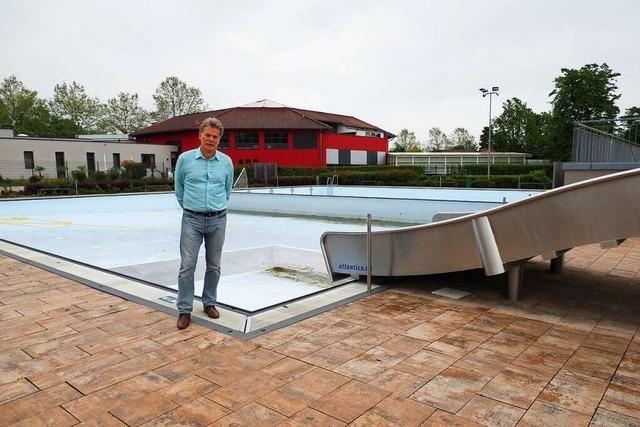 Das Schwimmbadteam in Weil am Rhein wartet auf eine verlässliche Perspektive