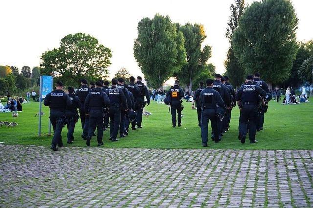 Hunderte feiern in Heidelberg - Randale und Angriffe auf Polizei