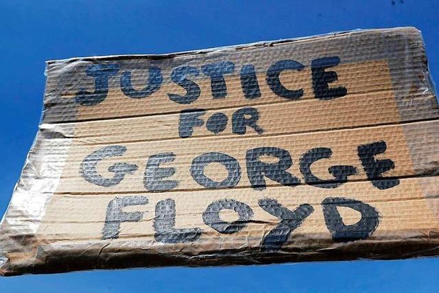 Joe Biden trifft sich ein Jahr nach dem Tod von George Floyd mit dessen Familie