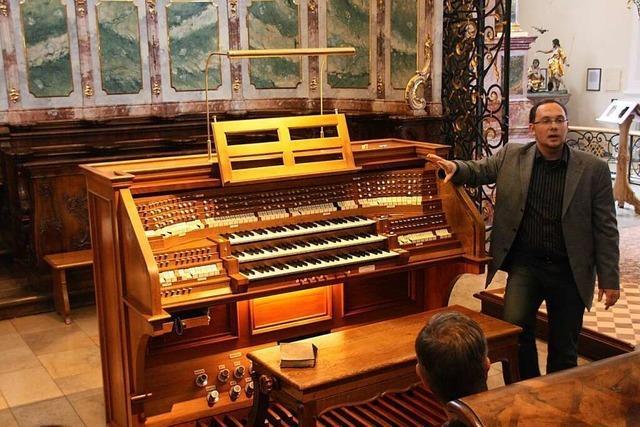 Die Orgel in der Klosterkirche St. Peter kann man sich genauer anschauen