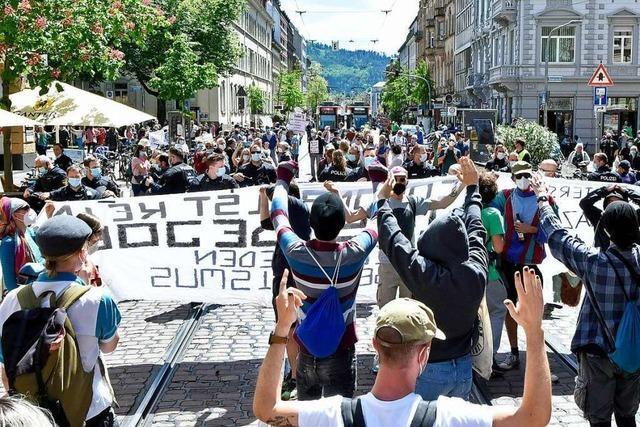 Querdenker-Demonstration und Gegenprotest in Freiburg