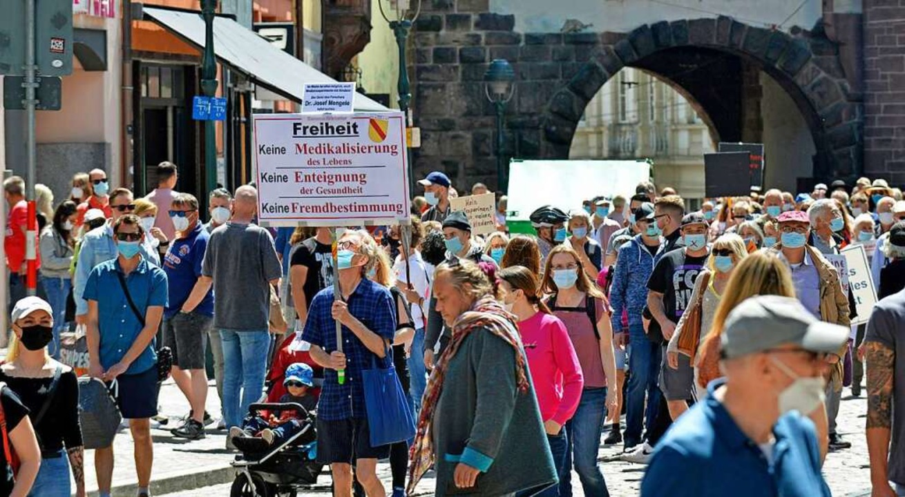 Teilnehmer der Anti-Impf-Demonstration  | Foto: Michael Bamberger