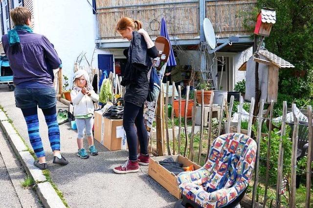 Straßenflohmarkt in der ganzen Stadt