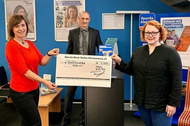 3000 Euro für Freiburger Verein, der Kindern hilft