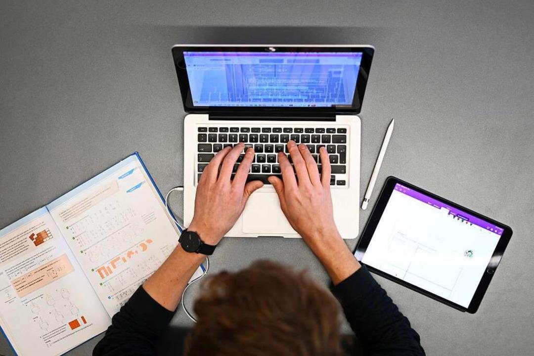 Lernen am Laptop.   | Foto: Felix Kästle (dpa)