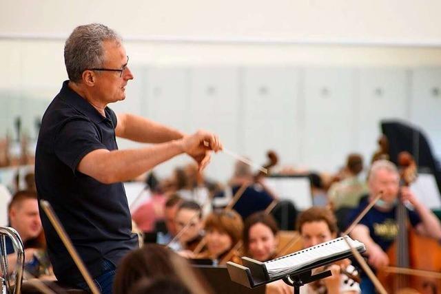 Freiburger Generalmusikdirektor leitet in Moskau Webers