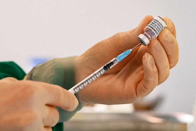Wie ein Haus- und ein Betriebsarzt die Impfkampagne erleben