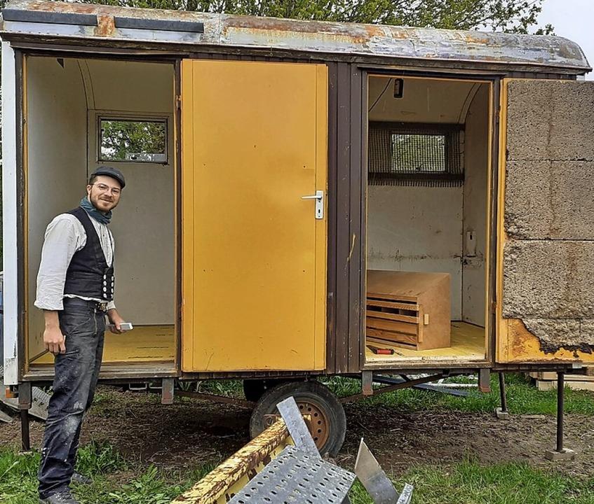 Unter anderem wurde ein kleiner Hühnerstall im Bauwagen eingerichtet.    Foto: suedkurier