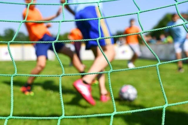 Neue Regeln für den Vereinssport: Mehr Fans, weniger Tests