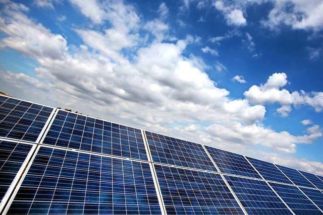 Uneinigkeit beim Betreibermodell für PV-Anlagen auf Dächern in Zell
