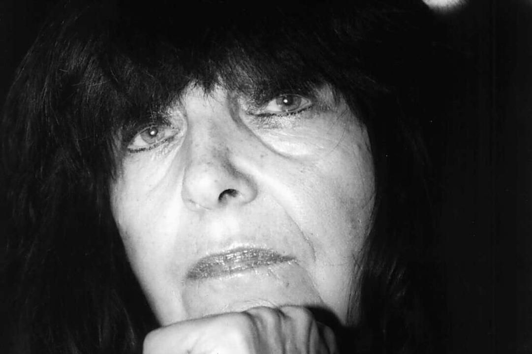 Die Autorin Friederike Mayröcker  star... engsten Umkreis Mayröckers mitteilte.    Foto: Dieter_Roosen
