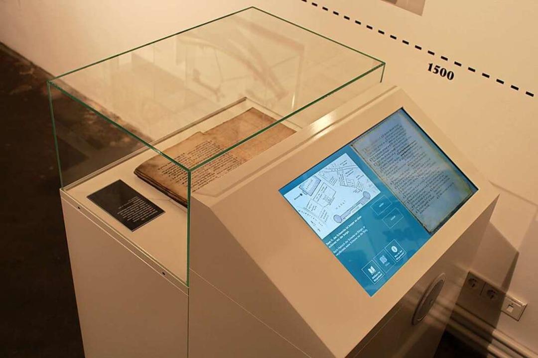 Über 650 Jahre liegen hier beieinander... durch digitale Mittel lesbar gemacht.    Foto: Stadtmuseum