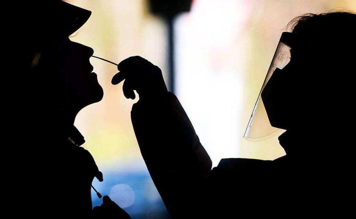 Welche Teststellen gibt es in Lörrach?  | Foto: Julian Stratenschulte (dpa)