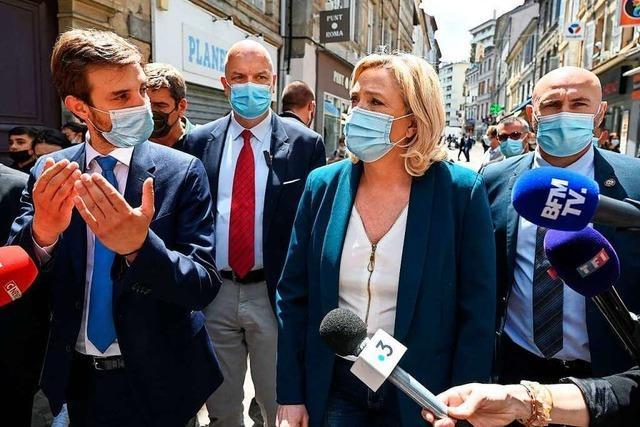Ein Jahr vor der Wahl in Frankreich braucht Le Pen nur abzuwarten