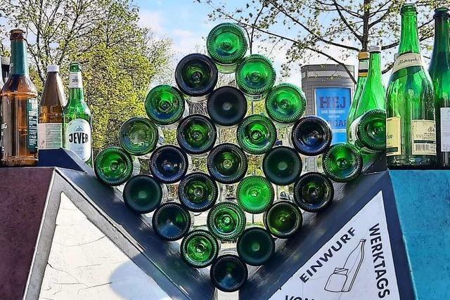 So wird Altglas zur abstrakten Kunst