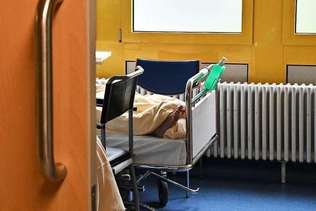 Keine Betten frei: Patienten müssen tagelang in der Lörracher Notaufnahme liegen
