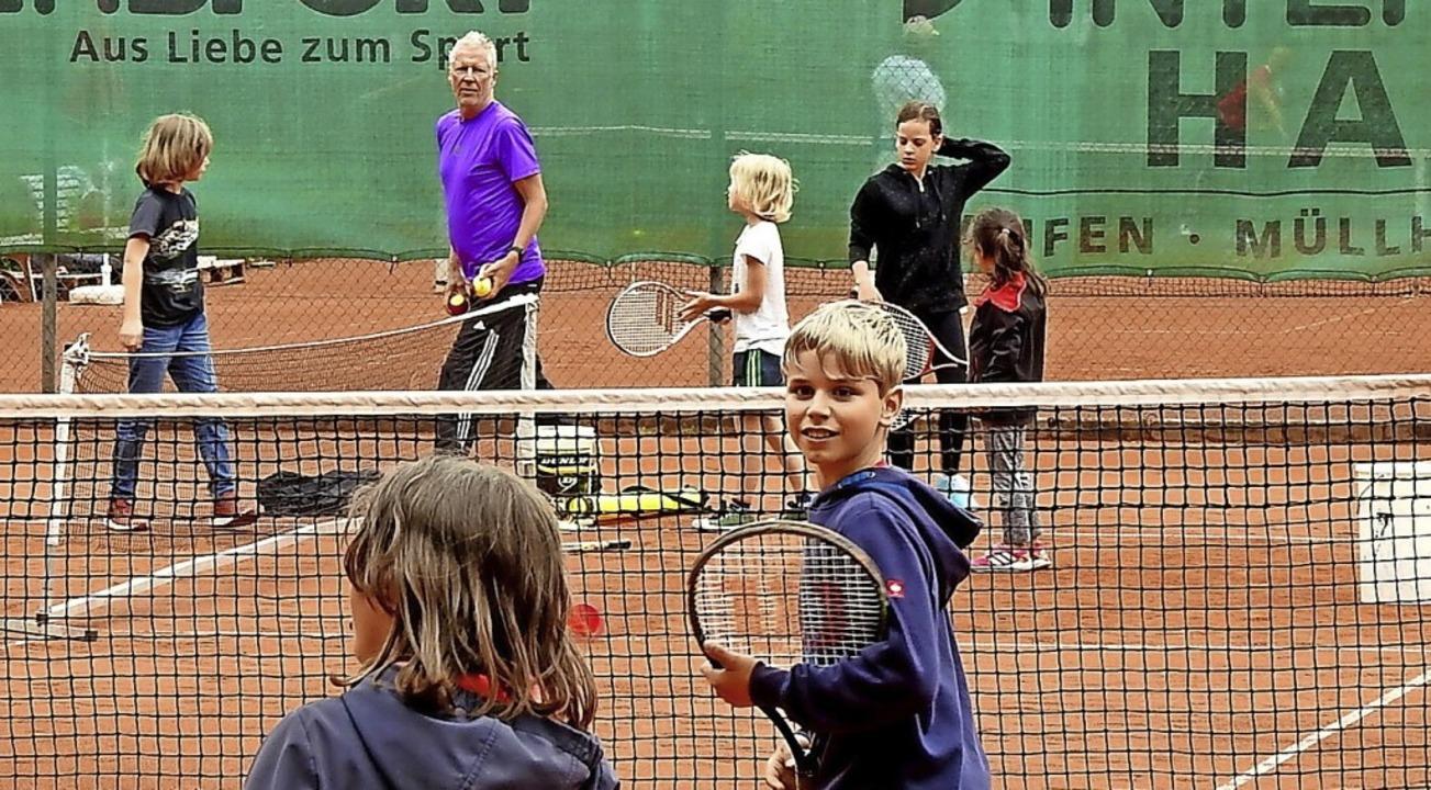 Endlich wieder raus und Tennisspielen     Foto: Tennisclub Rot-Weiß Staufen