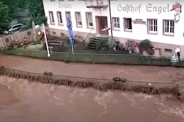 Video: Augenzeugin filmt die Überflutung im hinteren Schuttertal