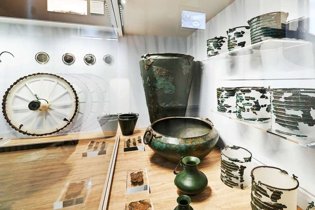 Die Funde aus der keltischen Grabkammer des 7. Jahrhunderts.  | Foto: Axel Killian