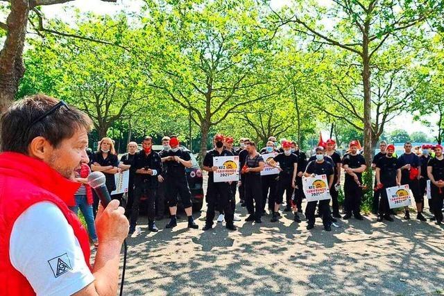 Warnstreik in Offenburg als Signal an Arbeitgeber der Kfz-Branche